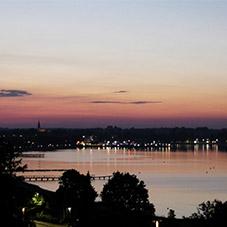 Abendrot mit Blick auf die Stadt Eckernförde